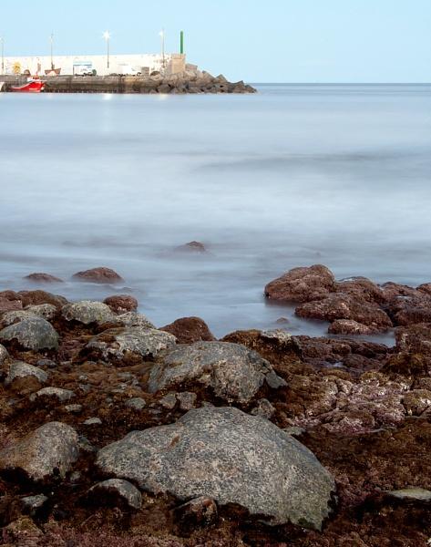 Los Abrigos bay by TamJ