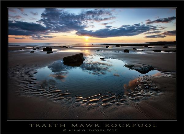 Traeth Mawr Tidal Pool by Tynnwrlluniau
