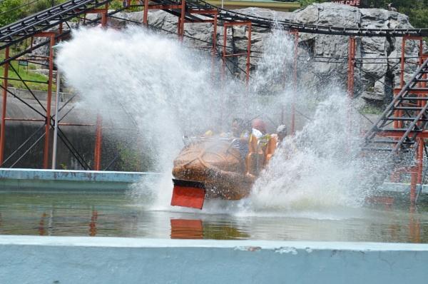 Splash! by tashi