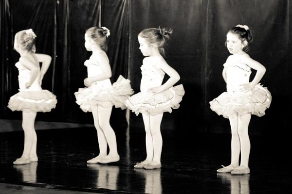 Ballet, or something like it :) by inntrykk