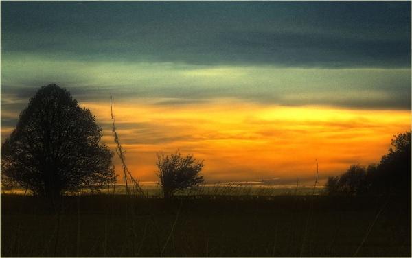 landscape sun set nice colourful sky by paulmanneringphotos