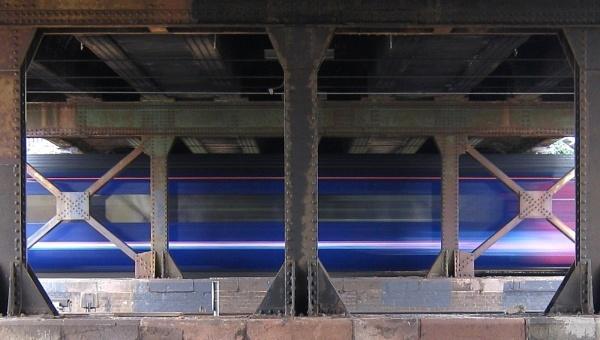 Train Coming Through by RysiekJan