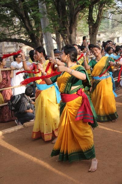 Dancers by kanu