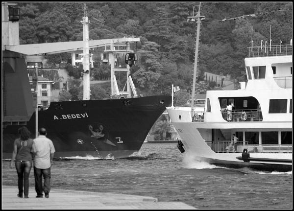 Passing through Bosphorus by nonur