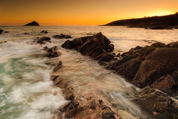 Mew Stone Sunset by lomaxa
