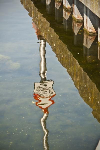reflection by lvphotogallery