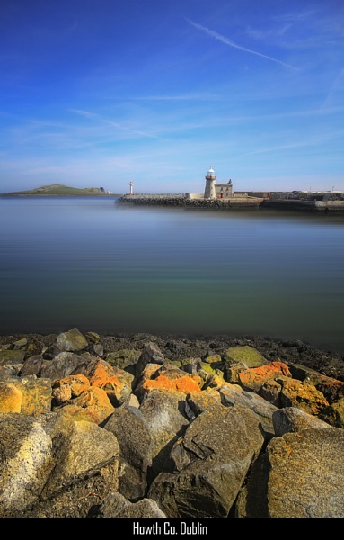 Howth Llighthouse by paulcr