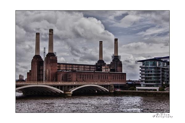 Battersea Power Station by minib