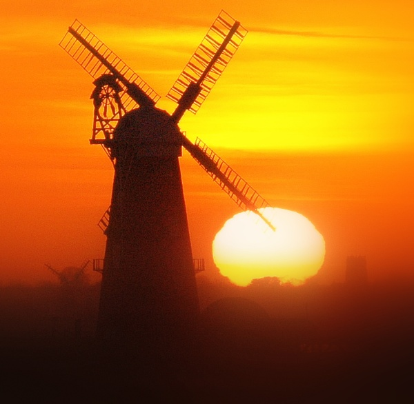 Windmill at Sunset by eeffbee
