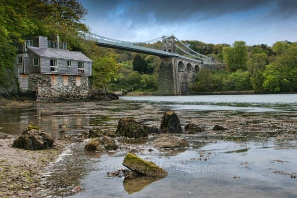 Menai Bridge by Elvisrally