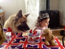 Anouk & Trudy's Jubilee Party has an unexpected visitor!