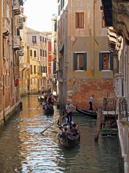Venice Street by gossyboy