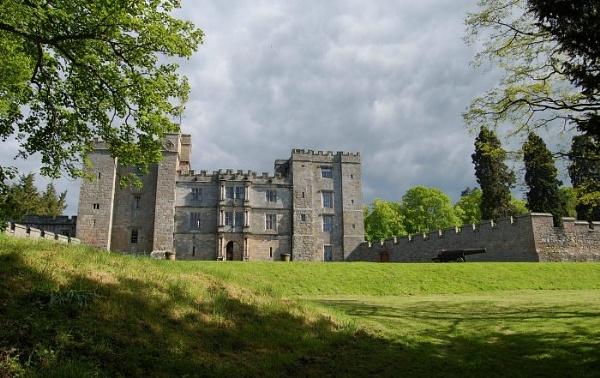 Chillingham Castle by leginR