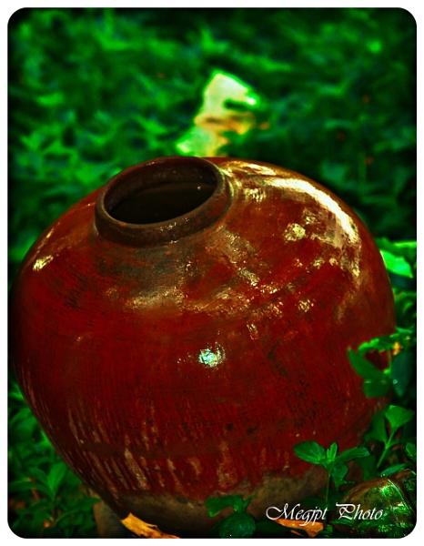 Old Jar.................... by jaycelle3