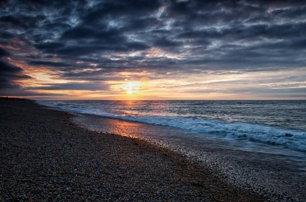 Salthouse Sunset by wardp
