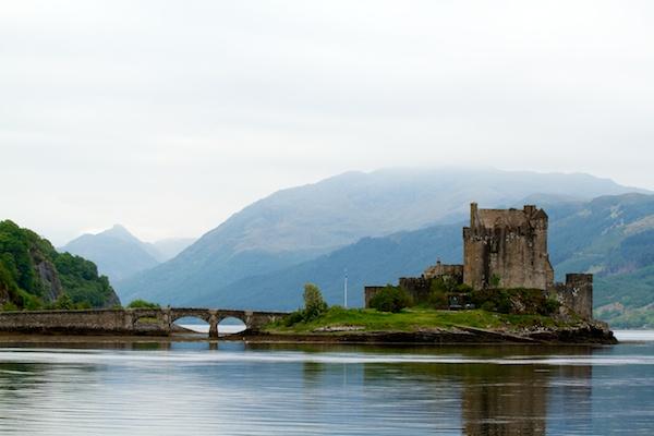 Eilean Donan Castle by steve5452