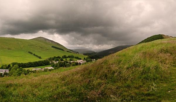 Innerleithen Hills by Hali