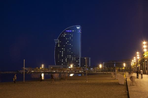 W Hotel by jembo