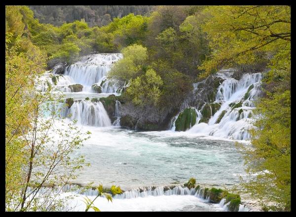 Waterfall 2 in Krka National Park by dhandjh