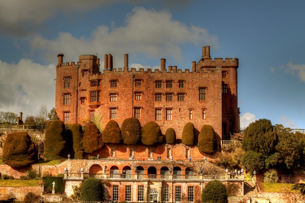 Powis Castle by rigsby8131
