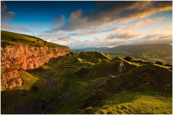 Escarpment Light by Alan_Coles
