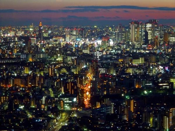Shinjuku, Tokyo by colinmacl