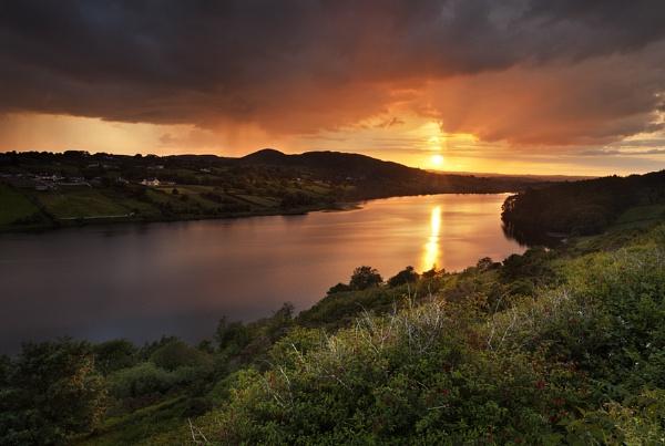 Lake View by garymcparland