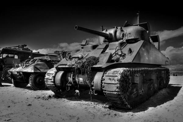 tank by illuvator