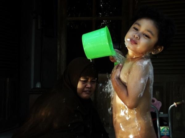 Bath Time 2 by arhab