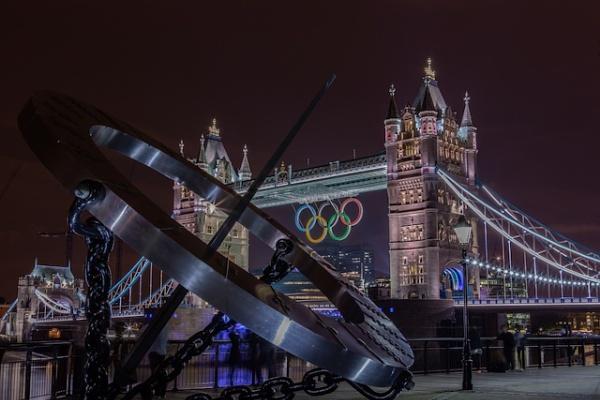 Olympic rings Tower Bridge by philgood