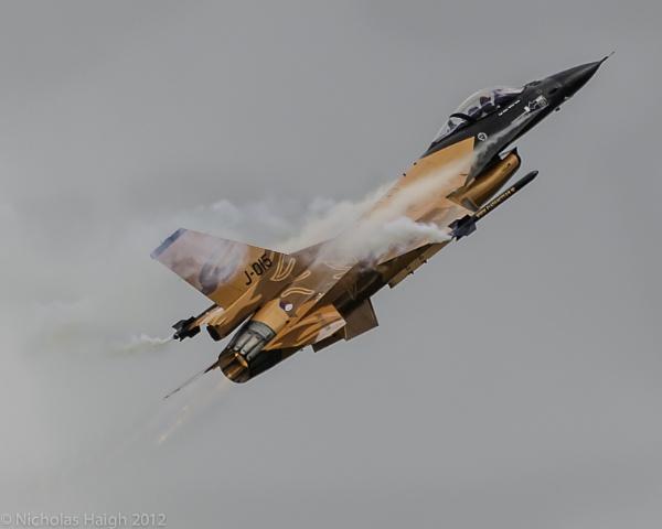 Waddington Airshow 2012 - F16 by NickHaigh