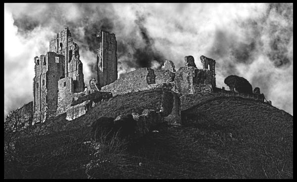 Corfe Castle. by UrbaneMagick
