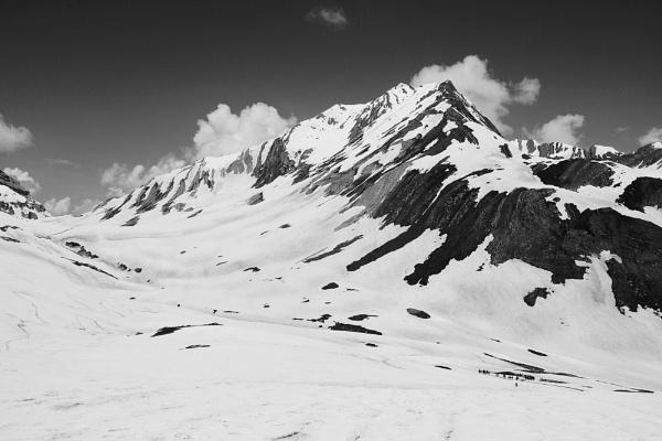 Great Himalaya Peak by SANJPHOTOGRAPHY