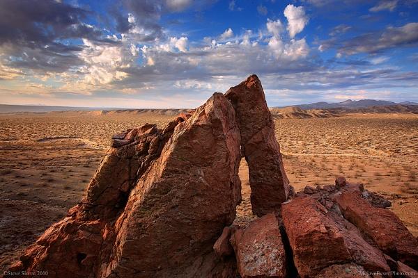 Hidden Arch in the Mojave Desert by SteveSieren