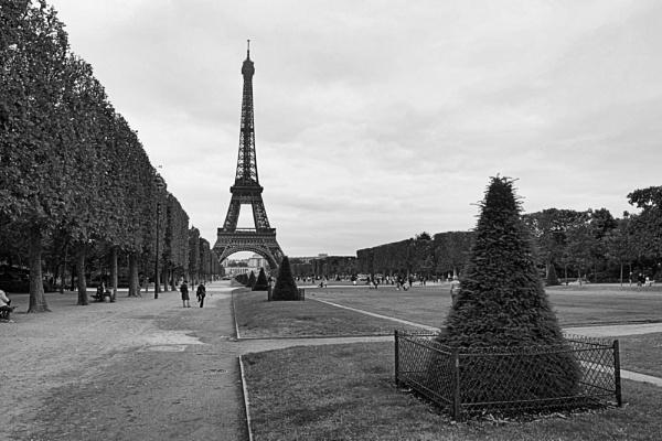 Eiffel by chodge987