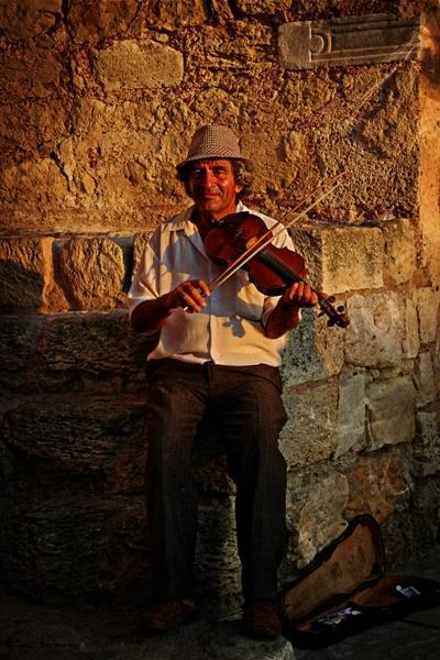 Street musician by mishu78