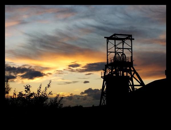Barnsley Main Colliery by Jodyw17