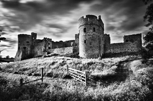 Carew Castle Pembrokeshire by silversnapper1