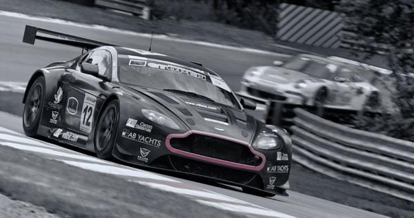 Aston Martin Vantage by pablo69