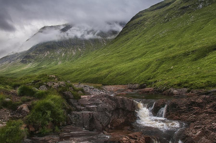low cloud in the glen
