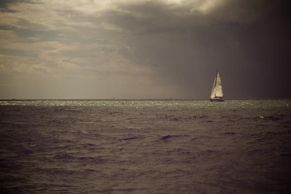 Storm on the horizon by Glen-W