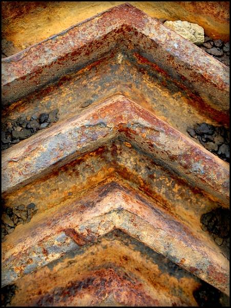 Rusty Chevrons by bwlchmawr