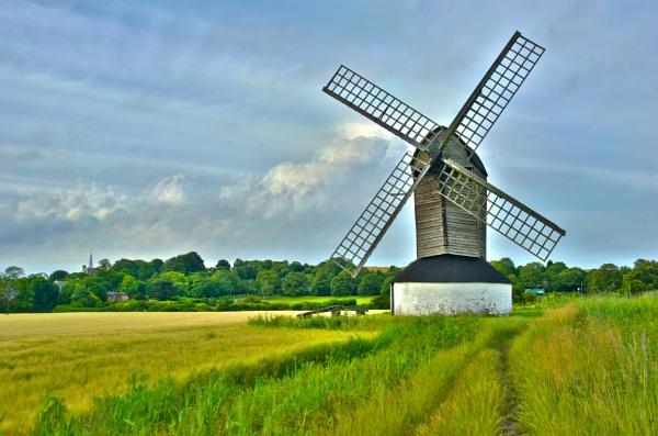 Pitstone Windmill by stuhalloran