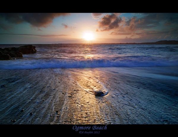 ogmore beach by zapar40