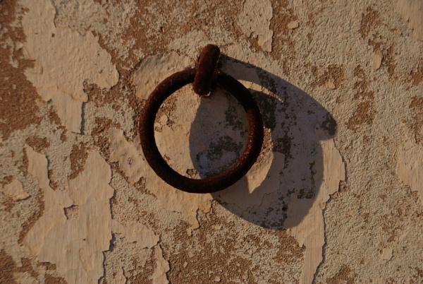 A ring thing I by Chinga