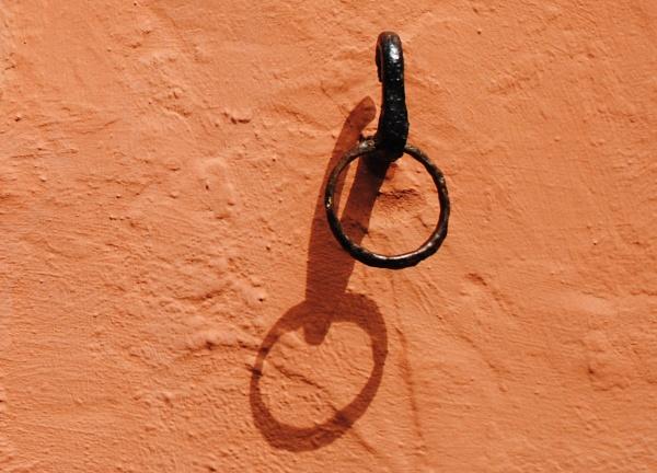 A ring thing II by Chinga