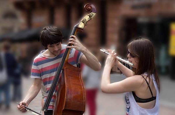 Street entertainers by killiekrankie