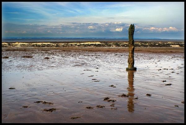 Obelisk with Wet Beach by bwlchmawr