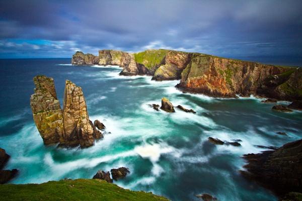 tory island cliffs by owenclarke