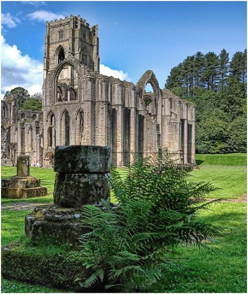 Fountains Abbey 7 by iancatch